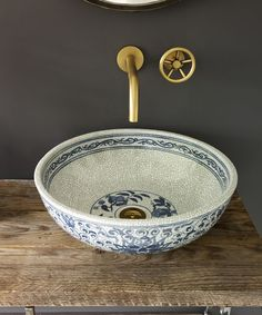 Super cute sink idea, maybe for a powder room?