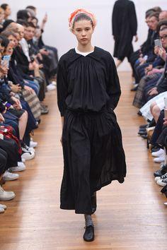 Comme des Garçons Comme des Garçons Spring 2016 Ready-to-Wear Fashion Show