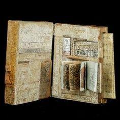 'Map ed Veveiis', artist's book, by Genevieve Seille, 1990. Pressmark X920025 courtesy V&A London
