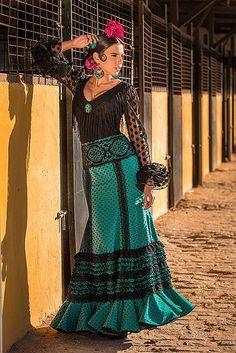 Colección de trajes de flamenca 2014 - Manuela Macías Moda Flamenca