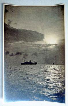 s.s. Monturo op de rede van Semarang in 1924 https://veiling.catawiki.nl/kavels/13273173-foto-s-en-afbeeldingen-uit-het-vroegere-indi-rond-1930-en-een-boekje-over-klassieke-indonesische-klederdrachten