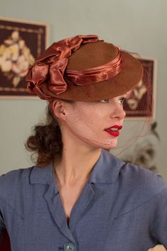 ff085daa64f3a Vintage 1940s Hat - Delightful Cocoa Brown Wool Veiled 40s Tilt Topper with  Glossy Satin Ruffles