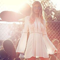 An up-to-date list of the best clothing brands you didn't know you were obsessed with, including exclusive discount codes! Off Spring, Spring Summer Fashion, Festival Outfits, Festival Fashion, Festival Style, Top 10 Clothing Brands, Little Dresses, Dresses For Work, Camila Morrone
