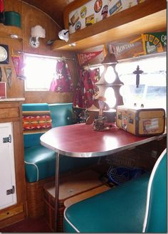Fortunately, among the most enjoyable and satisfying characteristics of having a vintage trailer is completing the required repair or restoration projects your RV should look it's best. Living Vintage, Vintage Rv, Vintage Airstream, Vintage Caravans, Vintage Campers Trailers, Camper Trailers, Airstream Campers, Retro Campers, Travel Trailer Interior
