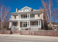 847 W Park St , Butte, MT is currently not for sale. single-family home is a 11 bed, bath property. This home was built in 1906 and last sold on for. View more property details, sales history and Zestimate data on Zillow. Butte Mt, Old Houses For Sale, Second Empire, Old House Dreams, Romanesque, Edwardian Era, Victorian, My House, Beautiful Homes