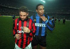 Roberto Baggio (AC Milan) et Paul Ince (Inter Milan)