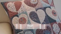 This Fall/Winter vogue presented at Paris Vogue Week had Heart Quilt Pattern, Quilt Block Patterns, Applique Patterns, Applique Quilts, Quilting Tutorials, Quilting Projects, Quilting Designs, Sewing Projects, Colchas Quilting