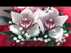 Christmas Wreaths, Holiday Decor, Gifs, Presents
