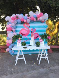 Jungle Theme Birthday, Flamingo Birthday, Flamingo Party, Birthday Party Themes, Flamingo Baby Shower, Baby Shower Deco, Kids Luau Parties, Luau Party, Balloon Decorations