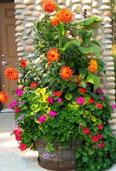 eye catching wonderful and creative patio planter ideas - Patio Flower Ideas