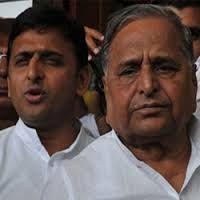 Latest Hindi News,Agra News in Hindi,Agra Samachar: अखिलेश और मुलायम ने जारी कीं अपनी अपनी लिस्टें,फिल...