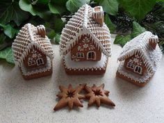 vánoce, strana 7 | Perníky Gingerbread House Designs, Christmas Gingerbread House, Christmas Presents, Christmas Crafts, Food Goals, Holiday Cookies, Cake Decorating, Ornament, Projects
