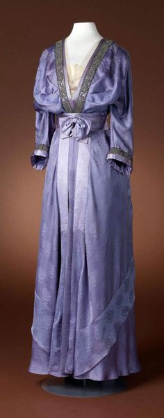 Dress, Hirsch & Cie, ca. 1910-15. Three-piece purple or lilac gown with…