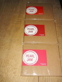 die Pearl Jam-Bootlegs sind da by admit, via Flickr