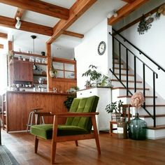 bibi.karuさんの、Overview,観葉植物,ナチュラル,アンティーク,カフェ風,カリモク,ドライフラワー,無垢材の床,珈琲のあるあたたかい暮らし,ナチュラルカフェスタイルについての部屋写真