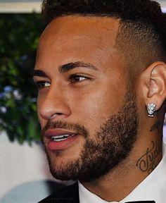 Neymar Jr, Neymar Brazil, Ms Gs, Football Players, Fifa, Biology, Beautiful Men, Barcelona, Rainbow