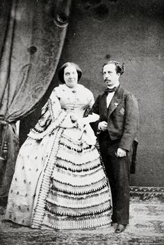 The Queen Isabel II and King Francisco de Asis of Spain Historical Costume, Historical Clothing, Antique Photos, Old Photos, Vintage Photos, Queen Isabella, Queens Jewels, Spanish Royalty, Modern Photographers
