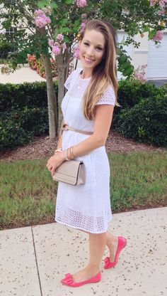 White Eyelet Summer Dress | thetrendyprofessional.com