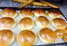 Házi hamburger buci | NOSALTY Homemade Hamburger Buns, Homemade Hamburgers, Hungarian Chicken Paprikash, Goulash Soup, Braised Red Cabbage, Cubed Potatoes, Goulash Recipes, Torte Cake, Small Tomatoes