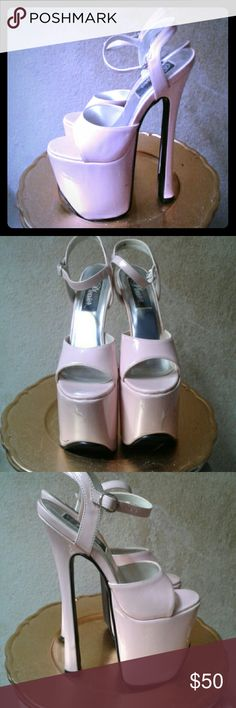 Barbie pink platform shoes Awesome platforms great for Halloween worn one time Shoes Platforms