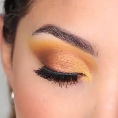 make up tutorial;make up for brown eyes;make up for hazel eyes;make up organization;make up ideas; Yellow Eye Makeup, Yellow Eyeshadow, Glitter Eyeshadow, Eye Makeup Steps, Natural Eye Makeup, Fall Eye Makeup, Natural Beauty, Maquillage On Fleek, Gold Makeup Looks