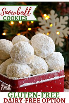 Gluten-Free Snowball Cookies Snowball Cookies are a buttery shortbread cookie filled with nuts and rolled in powdered sugar. They are also known as Mexican Wedding Cookies and Russian Teacakes. They are an easy gluten-free cookie to make! Cookies Gluten Free, Gluten Free Christmas Cookies, Gluten Free Deserts, Gluten Free Sweets, Foods With Gluten, Gluten Free Baking, Sans Gluten, Holiday Cookies, Chistmas Cookies