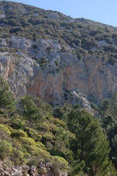 http://www.bbcalagonone.com - Dorgali - Arrampicata (free climbing) a Cala Gonone Sardegna (Sardinia) http://www.bbcalagonone.com - bed & breakfast, hotel, apartment, room, hostel, camping, tourist info, reservations in Sardinia - Cala Gonone