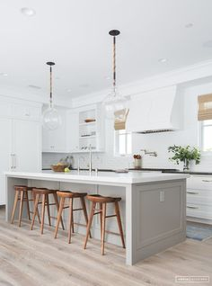 White Small Kitchen Remodel Ideas Ventilation aspect in kitchen design. Most of us sometimes ignore ventilation as part of the qualities of a good kitchen design. Kitchen Room Design, Modern Kitchen Design, Home Decor Kitchen, Interior Design Kitchen, Home Kitchens, Gray Kitchens, Modern White Kitchens, Kitchen White, Fitted Kitchens