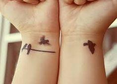 Resultado de imagem para dois passaros voando tattoo