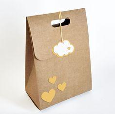 Caixinha para lembrancinhas Nuvem de Amor.  #lembrancinhas #chadebebe #presente
