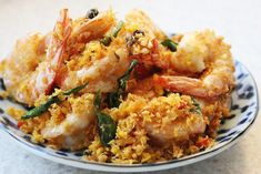 When butter cereal prawns arrived onto the Singapore food scene, it was all the rage! Fresh King prawns are seared and flash fried in hot oil till just