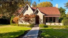 1031 N College Ave, Fresno CA 93728, USA