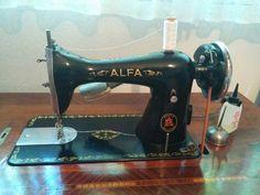 Mi máquina de #coser http://patronesyhandmade.com/2014/06/26/maquina-de-coser/