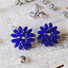 Kukat sopii myös korviin / Bijou Brigitte