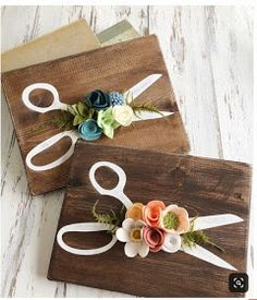 Trendy flowers crafts to sell Ideas Crafts To Sell, Diy And Crafts, Arts And Crafts, Felt Flowers, Paper Flowers, Felt Crafts, Wood Crafts, Idee Diy, Thinking Day