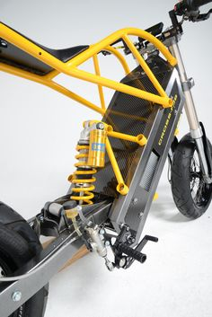 exodyne electric motorcycle fuses battery power with home-made engineering Electric Drift Trike, Electric Scooter, Electric Motor, Electric Cars, Electric Cycles, Motorcycle Design, Bicycle Design, Girl Motorcycle, Motorcycle Quotes