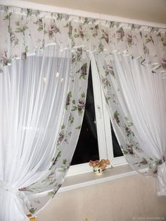 Tulle Curtains, Kids Curtains, Curtains With Blinds, Drapery Designs, Curtain Styles, Curtain Patterns, Drapery Panels, Home Living Room, Bed Spreads