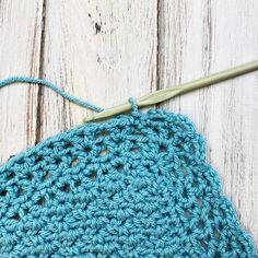 Classic Crochet Baby Blanket - Free Crochet Pattern