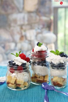 Red, White & Blue Ice Cream Parfaits | July 4th Dessert | MarlaMeridith.com ( @marlameridith )
