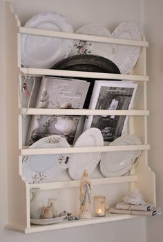 DIY Custom Plate Rack (For $40!) | Custom plates Plate racks and Kitchen pantries : white plate rack - pezcame.com