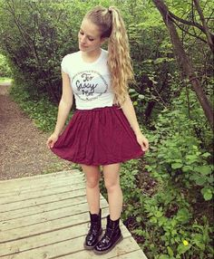 Brandy Melville and Docs Hipster Outfits, Cool Outfits, Hipster Style, Teen Fashion, Fashion Outfits, Fashion Trends, Brandy Melville Graphic Tees, Types Of Fashion Styles, Outfits For Teens