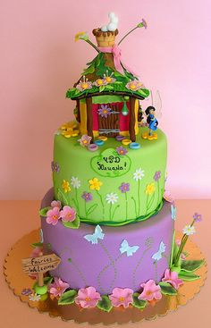 tinkerbell fairy house cake- IRELYNN would love this Tinkerbell Birthday Cakes, Fairy Birthday Party, Tinkerbell Party, 5th Birthday, Birthday Ideas, Pretty Cakes, Cute Cakes, Beautiful Cakes, Bolo Tinker Bell