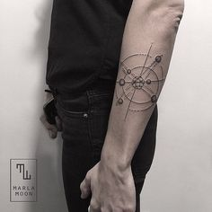 Some of the most unique and rare tattoos available are the atomic tattoos. There are many categories and designs of tattoos. Black Tattoo Art, Black Tattoos, Small Tattoos, Cool Tribal Tattoos, Cool Tattoos, Tatoos, Tinta Tattoo, Atom Tattoo, Tatoo Music
