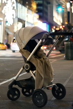 Keep Cozy this Holiday with Stokke Scoot & our 100% cotton Stokke Stroller Blanket