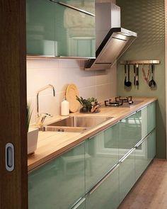 61 veces he visto estas magníficas cocinas blancas. Kitchen Cupboard Designs, Kitchen Room Design, Modern Kitchen Design, Kitchen Layout, Home Decor Kitchen, Interior Design Kitchen, Home Kitchens, Kitchen Modular, Modern Kitchen Cabinets