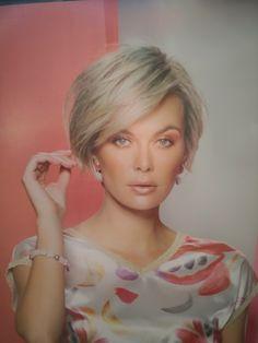 Hair Styles For Women Over 50, Medium Hair Styles, Short Hair Styles, Cute Haircuts, Short Bob Haircuts, Blonde Bob Haircut, Choppy Hair, Let Your Hair Down, Hair Creations