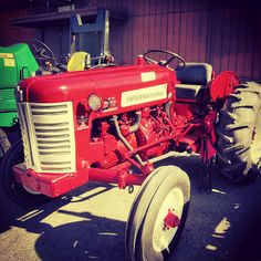 international tractor at the colusa farm show
