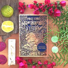 """243 Likes, 53 Comments - About Reads ● Bookstagram (@aboutreads) on Instagram: """"⠀⠀⠀⠀⠀⠀⠀⠀⠀⠀⠀⠀ #Resenha - MAR DE TINTA E OURO: A LEITORA ⠀⠀⠀⠀⠀⠀⠀⠀⠀⠀⠀⠀ """"Ei, olhe, isto é um livro.…"""""""