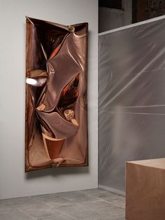 Ben Storms,InHale wallpiece copper. Photography © AlexanderPopelier. Luxe Decor, Copper And Brass, Art Techniques, Three Dimensional, The Magicians, Sculpture Art, It Works, Take That, Steel
