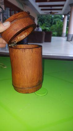 Joyero de bambú.